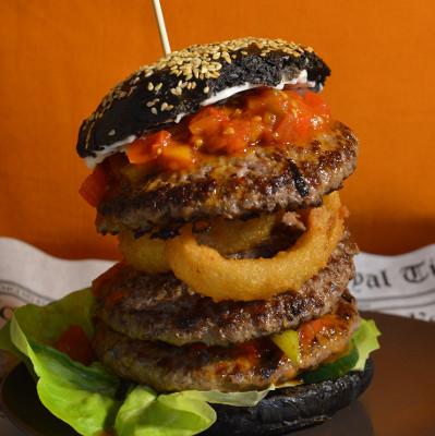 Nightmare Burger | schwarzes Brötchen | Cafe Wirrwarr