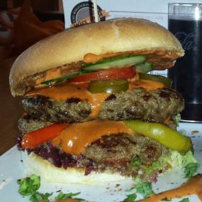 Evil |Burger | Teufelssauce | doppelt Beef